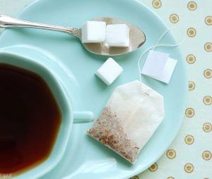 caf huile vin comment enlever les taches difficiles. Black Bedroom Furniture Sets. Home Design Ideas