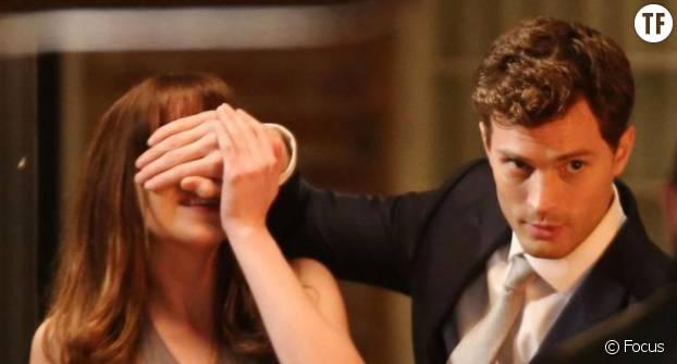 Dans 50 Shades of Grey, Jamie Dornan déploie toute sa panoplie de prédateur SM pour garder Dakota Johnson sous sa coupe.