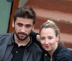 Audrey Lamy et son compagnon Thomas aux Internationaux de France de tennis de Roland Garros à Paris le 1er juin 2014.