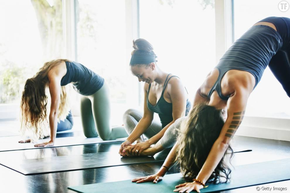 Voici 5 poses de yoga expliquées pour soulager ses cervicales.