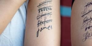 Comment se faire enlever un tatouage sans laser ?