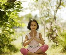 5 conseils tout simples pour apprendre à son enfant à méditer (et à se relaxer)