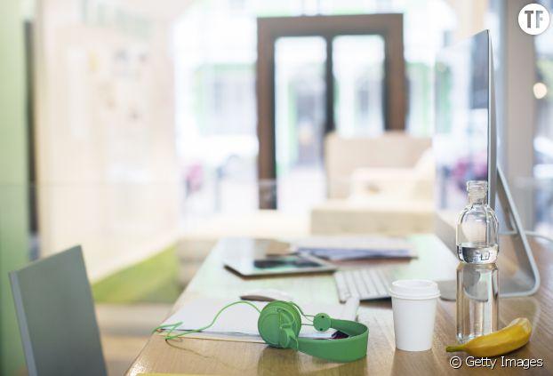 Au bureau, buvez beaucoup pour éviter les migraines
