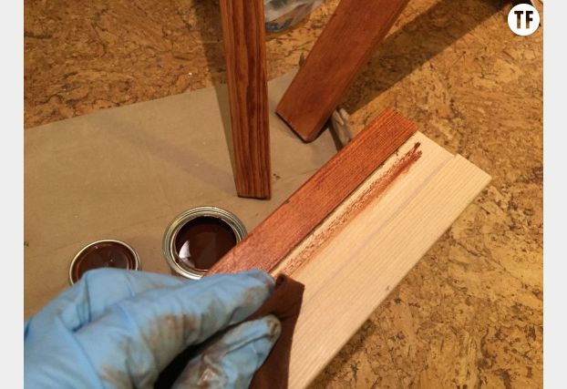 Découpez deux bordures pour les côtés de votre cadre