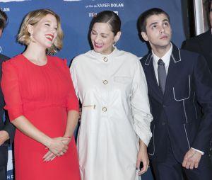 """Léa Seydoux enceinte, Gaspard Ulliel, Marion Cotillard, et Xavier Nolan à l'avant Première du film """"Juste la fin du monde"""" à Paris le 15 septembre 2016"""