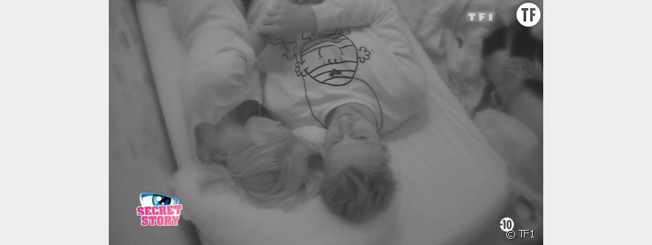 Bastien et Mélanie se retrouvent dans le même lit