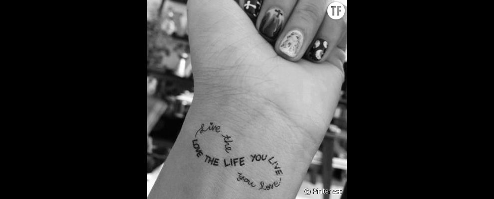 Idees Tatouage Citation Aime La Vie Que Tu Vis Vis La Vie Que Tu