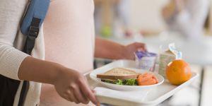 Cette ado a créé une appli pour les enfants qui mangent tout seuls à la cantine