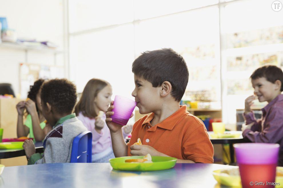 Une aplication pour que les enfants ne mangent plus seuls à la cantine