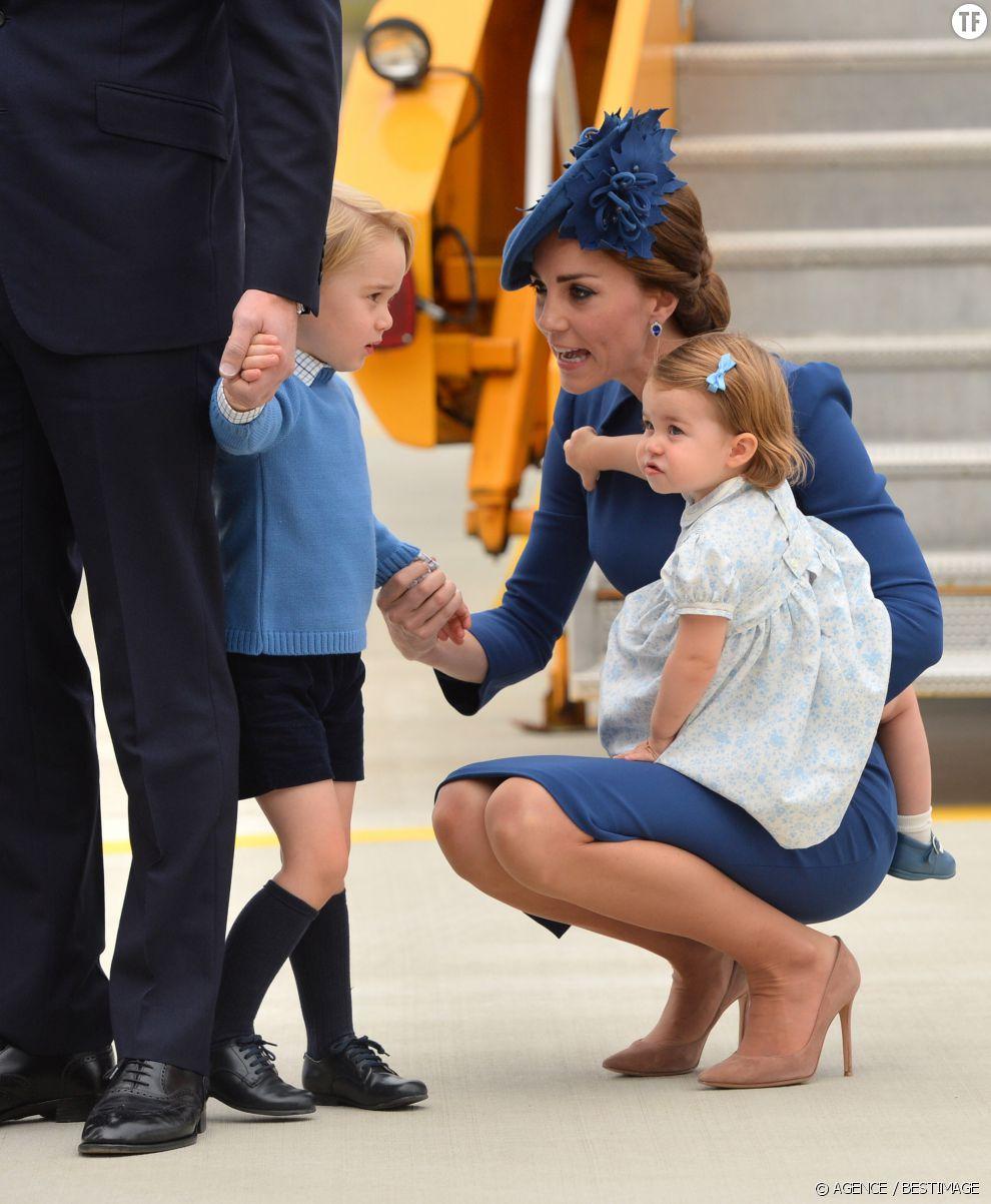 La duchesse de Cambridge pratiquant l'écoute active avec son petit Georges