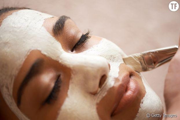 Faites des maques pour aider votre peau à s'auto-réguler