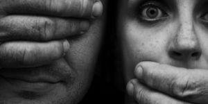 27% des Européens pensent qu'un viol peut être justifié