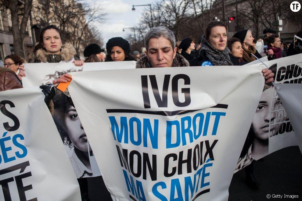 Manifestation pour le droit à l'avortement en Espagne dans les rues de Paris le 1er février 2014