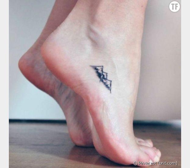 Des chaînes de montagnes : un tatouage parfait pour les aventurières !