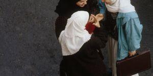 En Algérie, une campagne contre la pression sociale du port du hijab