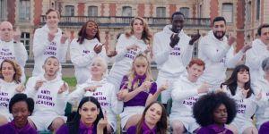 La collection Meuf Paris x Angèle qui veut en finir avec le sexisme