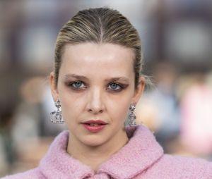 "Greta Bellamacina au défilé ""Chanel Cruise Collection 2020"" le 3 mai 2019"