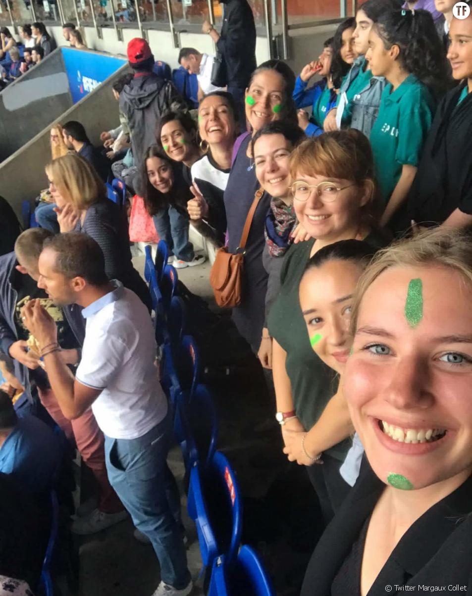 Des foulards verts interdits de stade