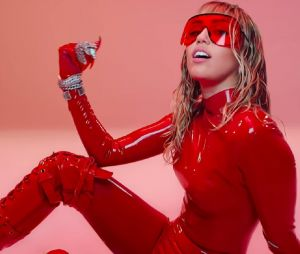 """Mother's Daughter"", le tube de l'été féministe et inclusif de Miley Cyrus"