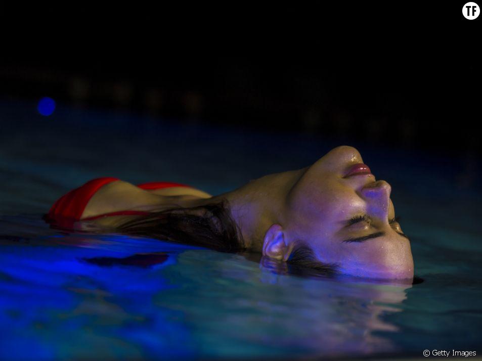 Le bain de minuit, une expérience de vie ?