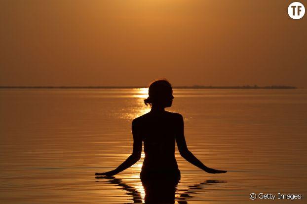 Le bain de minuit : nu à l'extérieur, paix intérieure ?