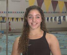 Cette jeune nageuse a été disqualifiée à cause... de son maillot de bain