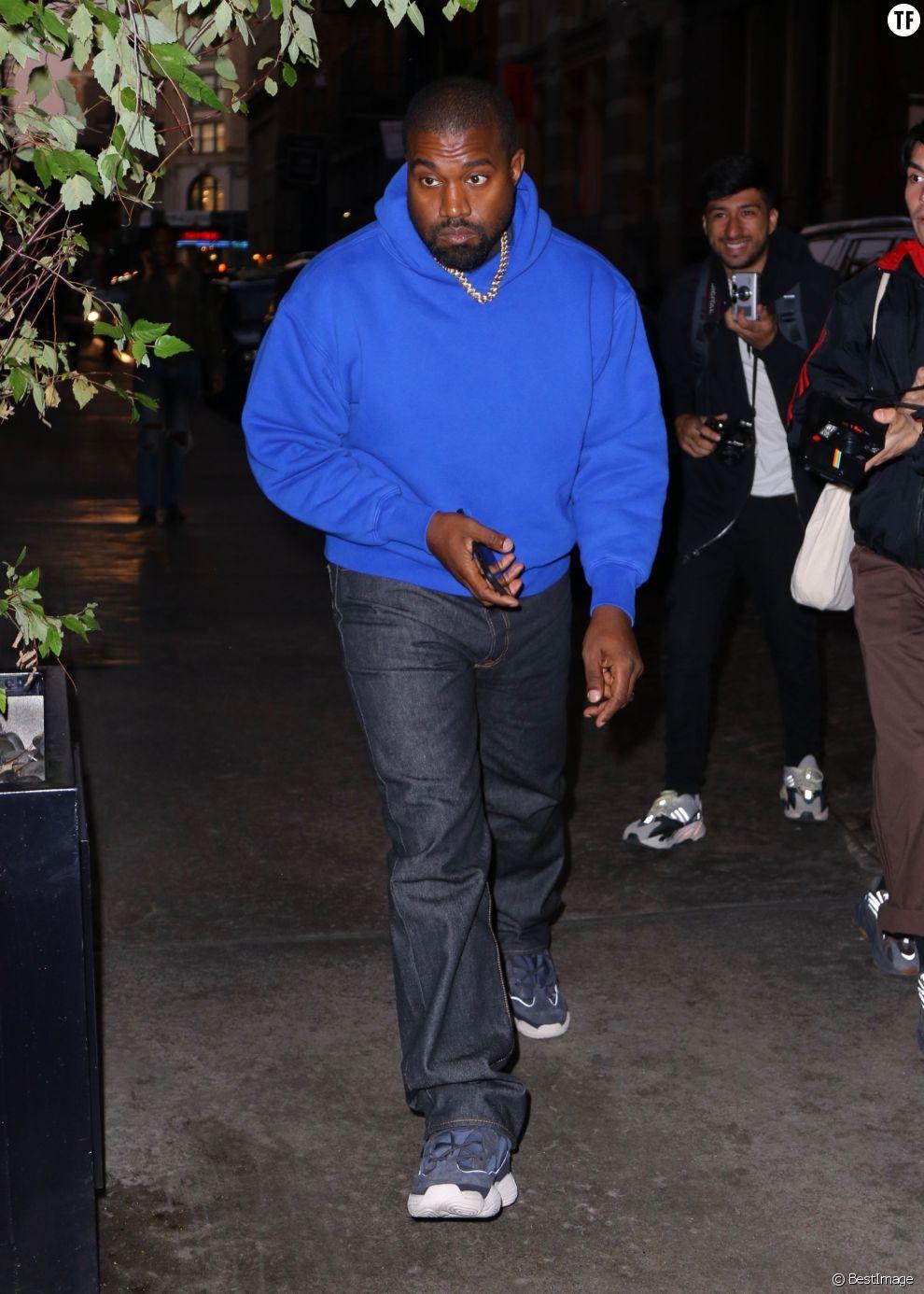 """Kanye West n'hésite pas à relayer des """"fake news"""" sur l'avortement."""