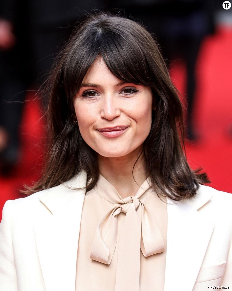 "Gemma Arterton tacle le mythe ""James Bond""."