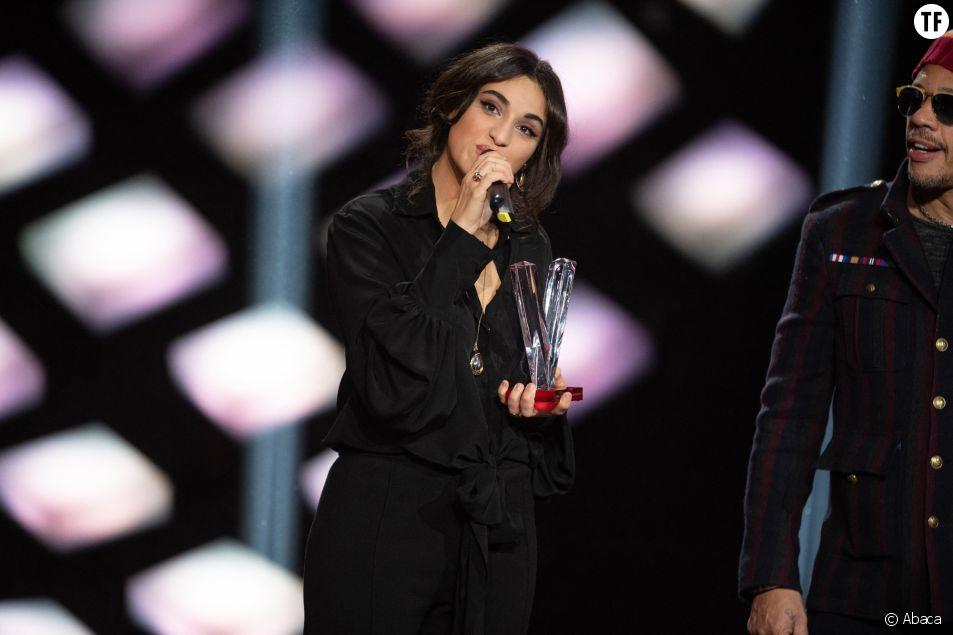 Camelia Jordana reçoit la Victoire de la musique 2019 pour le meilleur album de musique du monde le 8 février 2019