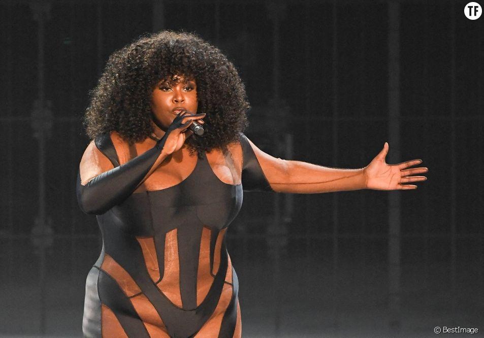 Yseult (Révélation féminine) à la 36ème édition des Victoires de la Musique le 12 février 2021.