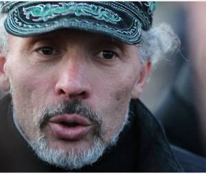 Serge Charnay est descendu de sa grue : un papa qui sème le trouble