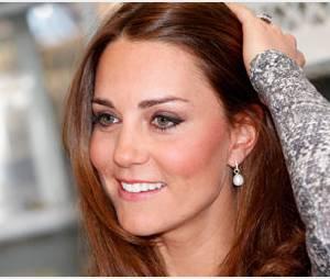 Kate Middleton montre fièrement son ventre pour faire face aux attaques humiliantes