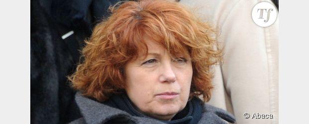 """Véronique Genest : un """"étron libre""""  qui se lance en politique"""