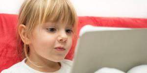 Les tablettes sont-elles dangereuses pour les enfants ?