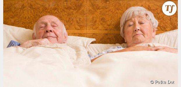 5 signes qui prouvent que vous êtes un vieux couple (au lit)
