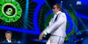 Un air de star : Jérôme Anthony chante Gangnam Style de Psy - Vidéo M6 Replay