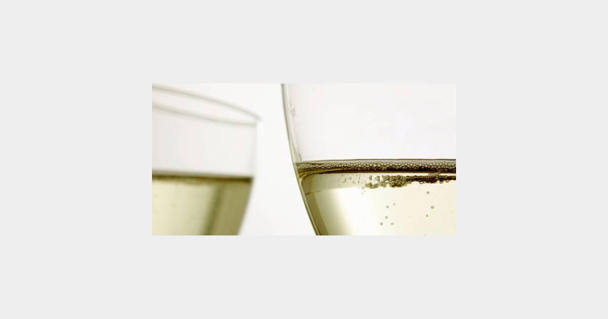 Boire du champagne est bon pour la m moire - Boire une coupe de champagne enceinte ...