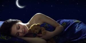 Couples : les 4 habitudes au lit qui tuent l'amour