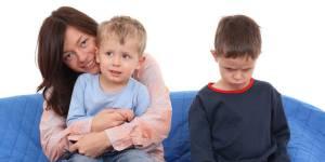 Un parent sur trois avoue préférer l'un de ses enfants