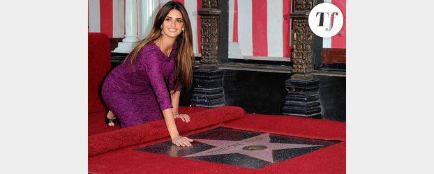 Pénélope Cruz fait son entrée sur le Hollywood Walk of Fame