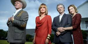 Dallas : la série en direct live streaming et sur TF1 Replay