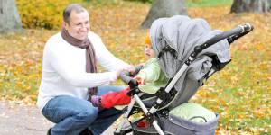 Congé parental : 100 000 pères concernés en 2017, espère Vallaud-Belkacem