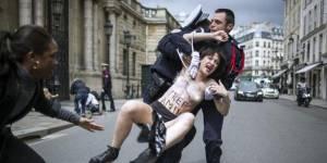 Femen : une tentative de manifestation avortée, seins nus devant l'Élysée