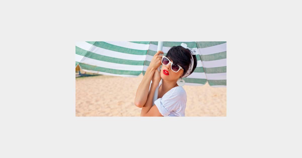 tenue et accessoires de plage 4 conseils pour rester chic sur le sable terrafemina. Black Bedroom Furniture Sets. Home Design Ideas