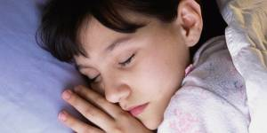 Pour être bon élève, il faut se coucher tous les soirs à la même heure