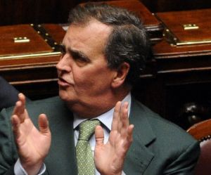 Roberto Calderoli : après sa déclaration raciste, il envoie des fleurs à la ministre italienne