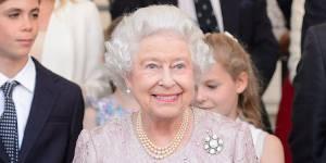 Mariage gay : la reine Elizabeth II prononce un royal oui
