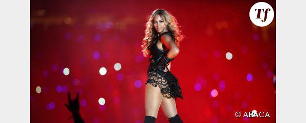 Beyoncé se coince les cheveux dans un ventilateur en plein concert