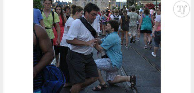 Demande en mariage : il gâche une photo et fait le tour du web