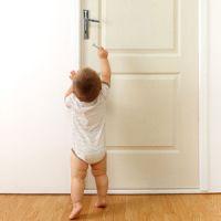 se faire surprendre au lit par un enfant comment r agir. Black Bedroom Furniture Sets. Home Design Ideas